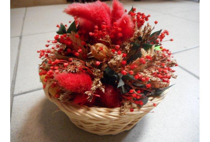 Květina v košíku