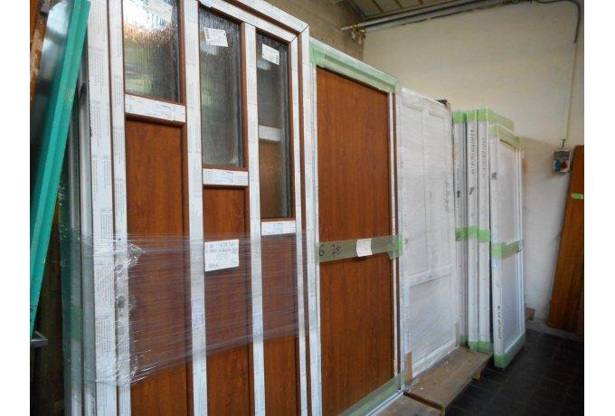 Dveře plastové vchodové z balkonového křídla - nové - dekor bílá/bílá, bílá/zlatý dub