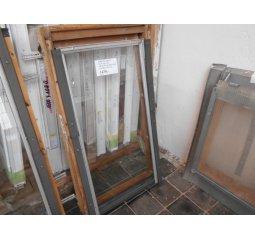 Střešní okno 66 x 118, zn. Velux