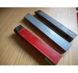 Soustružnický nůž střední