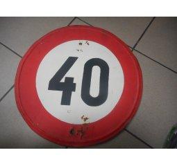 Cedule max povolená rychlost